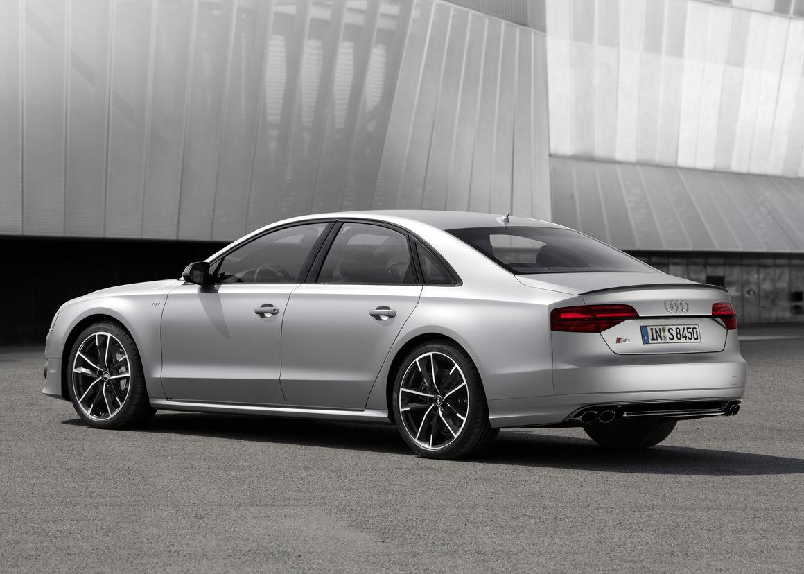 Audi S8 plus 1