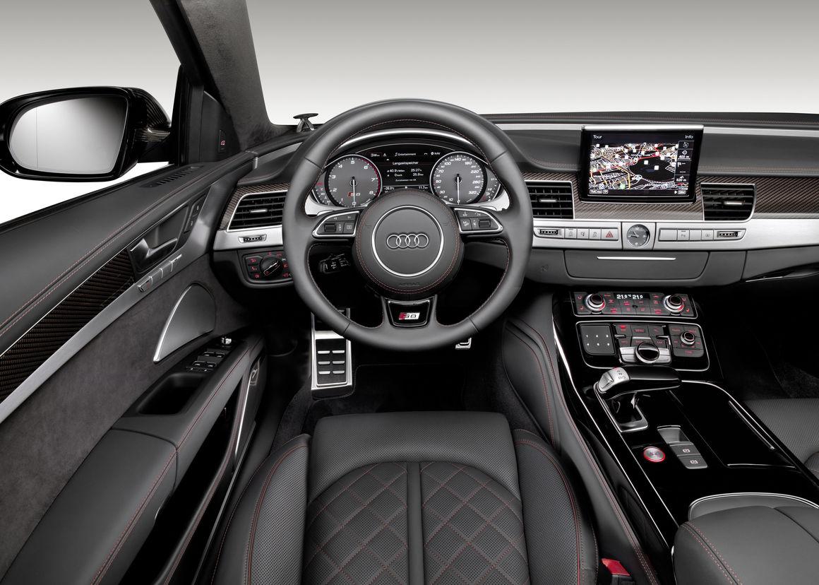 Audi S8 plus 4
