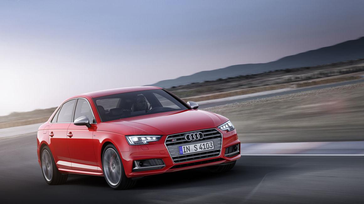 Audi-S4 (4)