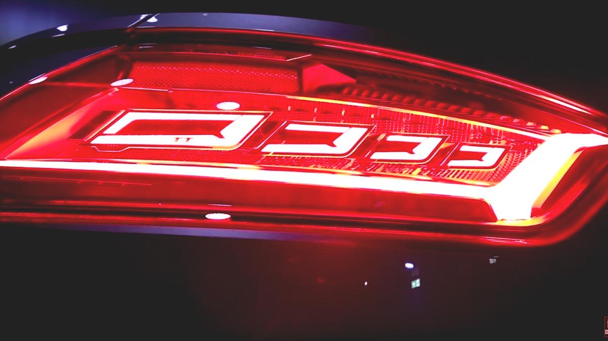 Audi TTRS OLED Heckleuchte