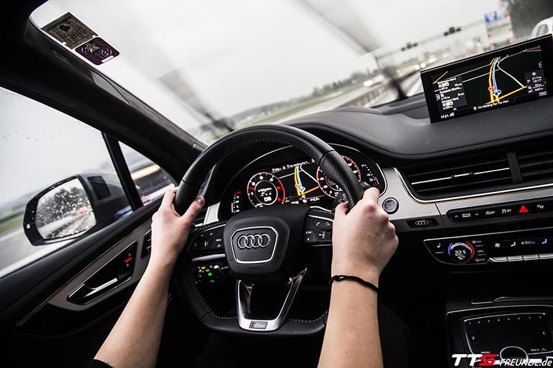 Audi Q2 TTS-Freunde Roadtrip nach Genf
